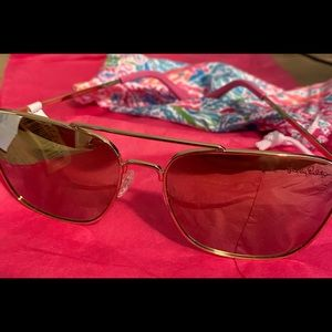 Lily Pulitzer Women's brand new Sunglasses Gold